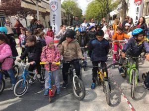 Беседа и състезание с велосипеди и тротинетки в Царево