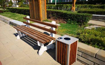 Нови кошчета за отпадъци поставиха в Приморско